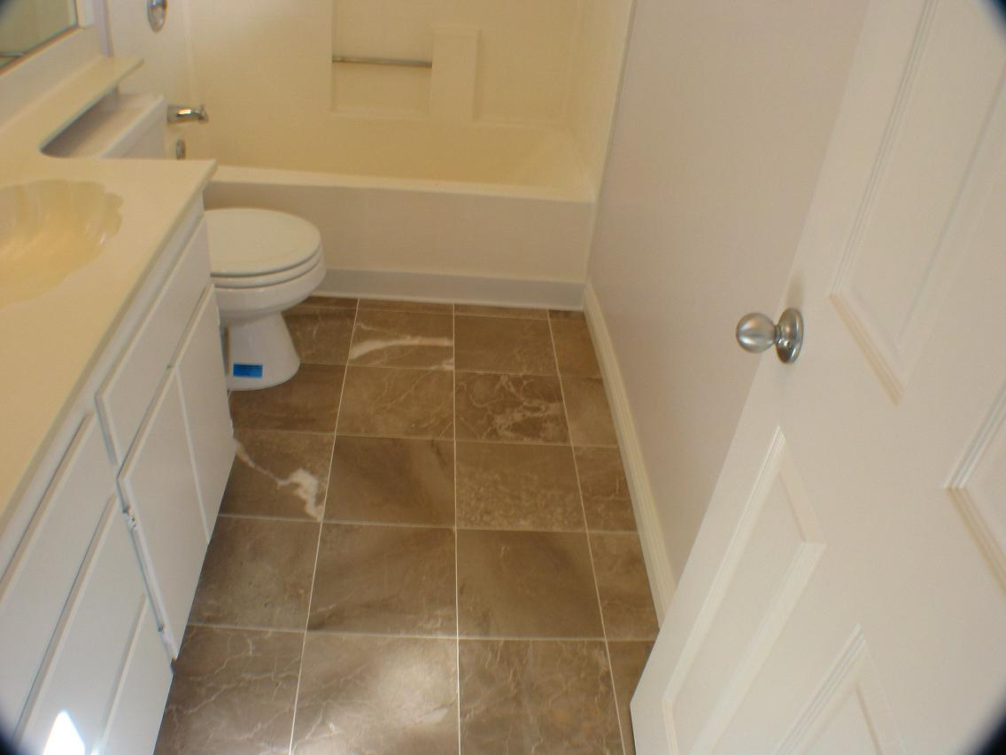 Interior pictures of 8708 lamar street 6 spring valley for Master bathroom marble tile